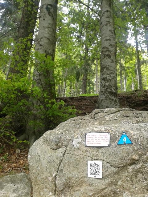 Barcodes mit Wanderinformationen auf dem Westweg, Schwarzwald