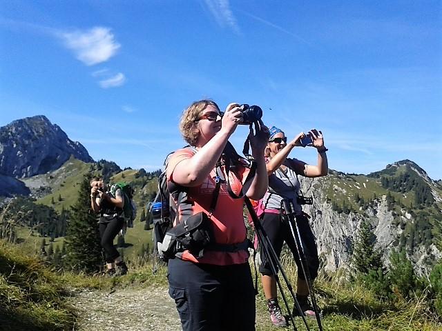 FotoFotografierende Outdoor-Bloggerinnen, Ammergauer Alpen
