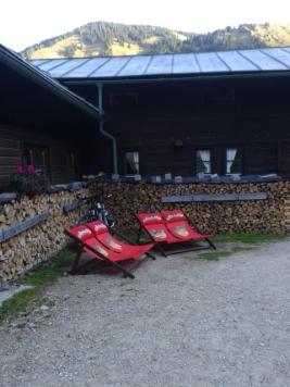 Sonnenliegen an der Kenzenhütte, Ammergauer Alpen