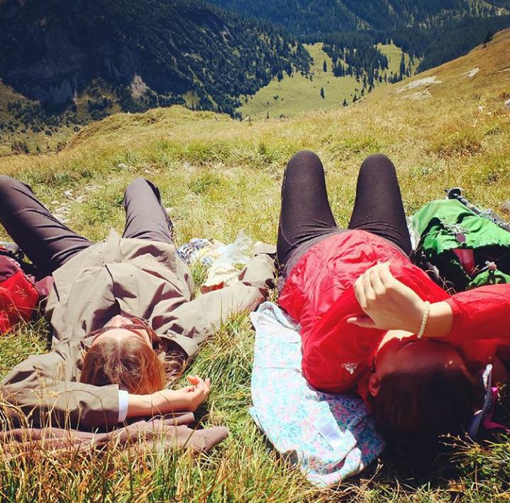 Wanderpause auf der Krähe, Ammergauer Alpen