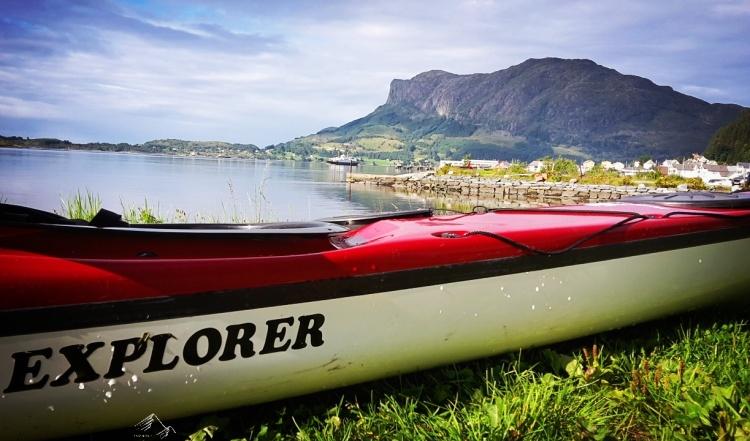 Kajak in Askvoll, Norwegen