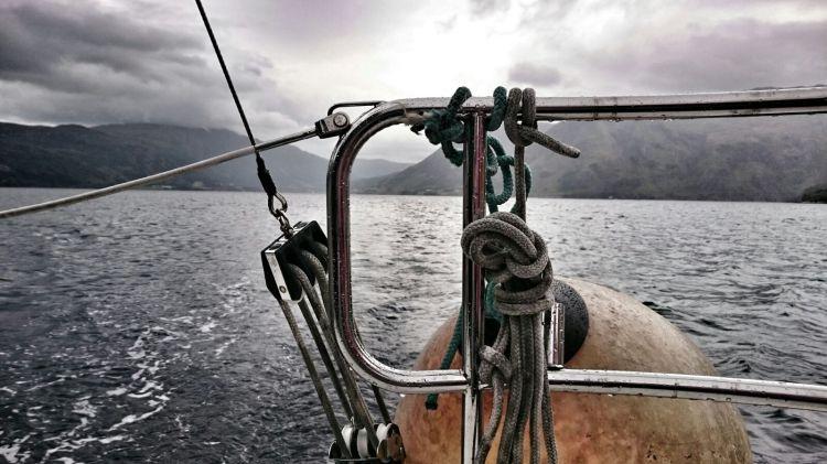 Segelnboot mir Koje, Norwegen