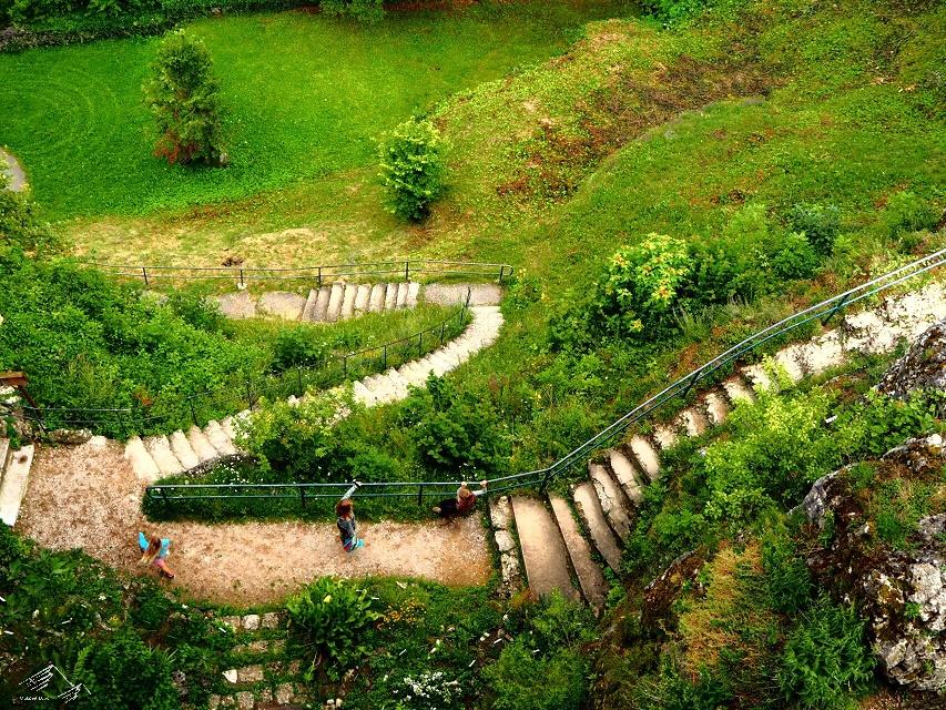 Der Weg zur Burg Hohenstein hinauf