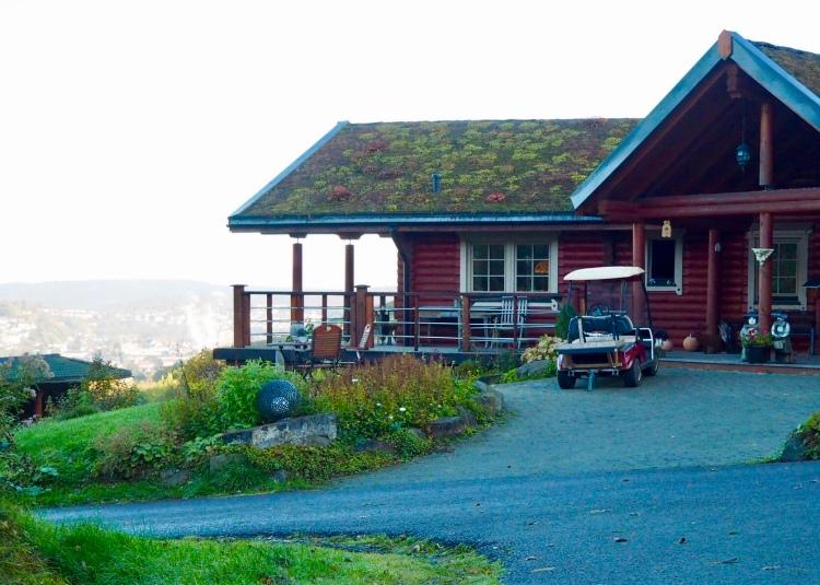 Die Rezeption der Country-Lodge mit Blick auf Arnsberg