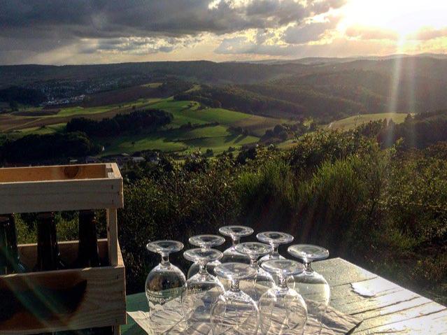Sonnenuntergang an der Kupferberghütte mit Schnorres, Bier der Pfalz