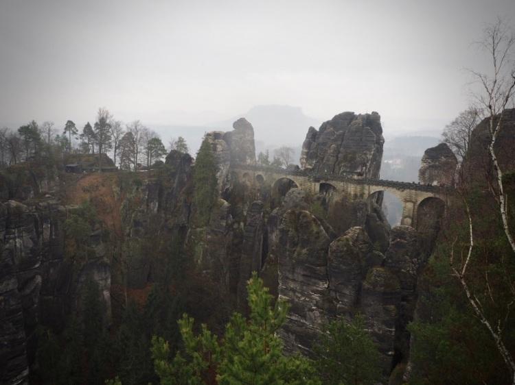 Die berühmteste Sehenswürdigkeit in der Sächsischen Schweiz: Die Bastei