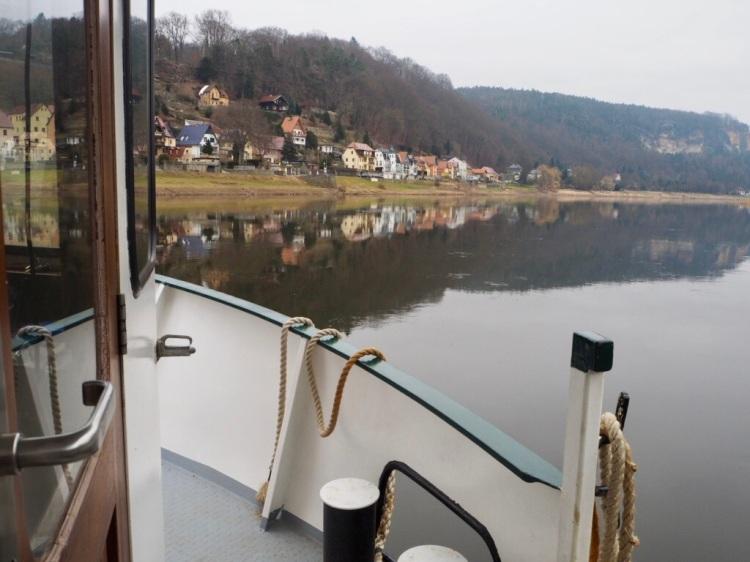 Zum Startpunkt der Etappe 2 des Malerwegs: Über die Elbe in Wehlen