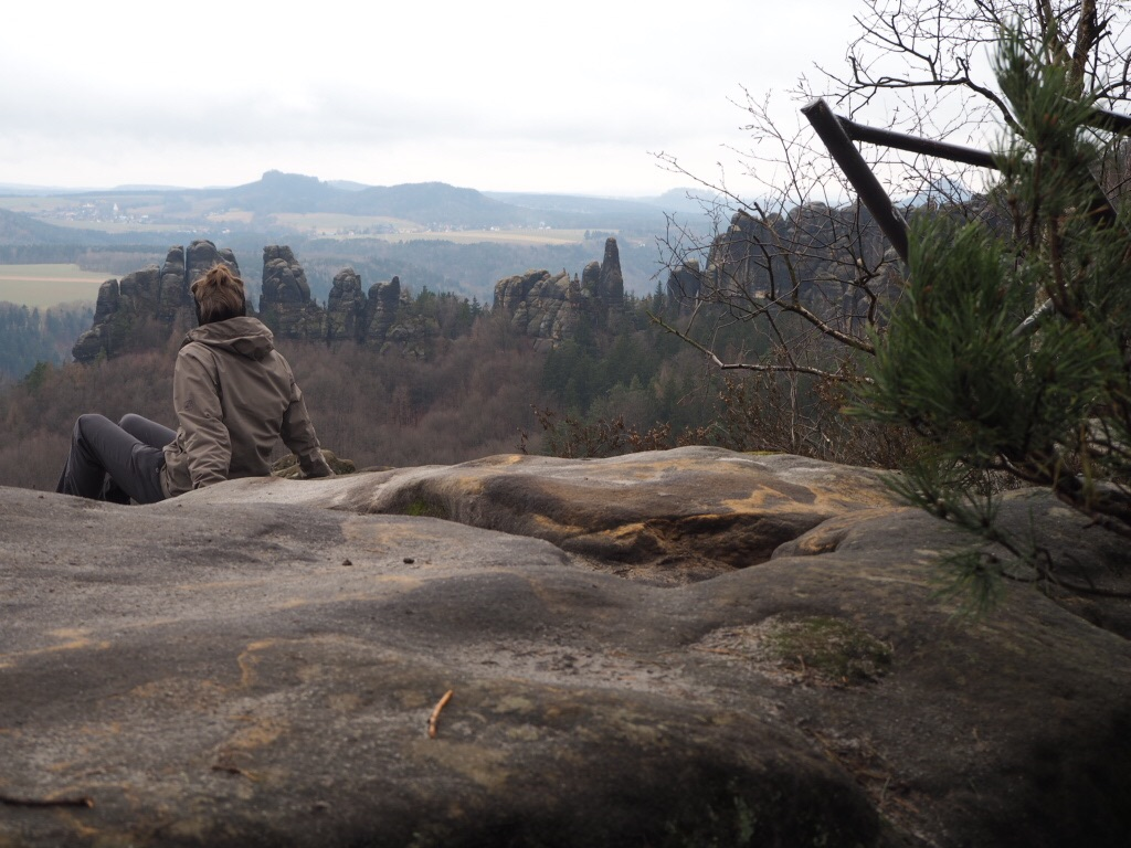 Schrammstein mit Aussicht auf das Elbsandsteingebirge